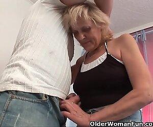Isoäitti sukatissa saa KasvoHoito