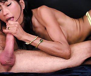 Ravena rey saugt süß an einem pochenden schwanz für einen leckeren in den mund gespritzt
