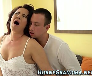 Old lady gets tongued