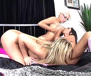 Dahlia Sky Lesbian Threesome