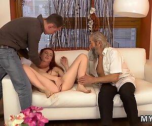 Blondi mummo soolo xxx odottamaton kokemus vanhemman herrasmiehen kanssa