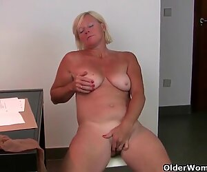At five o'clock mom's pantyhose come down