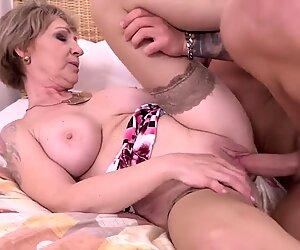 Taboo Maison Sexe avec Forte Pitrine Femme Mûre Mère et Fils