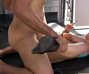 A pizza delivery girl gets tied up with