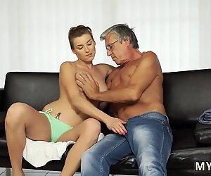 Intohimo hd suihinotto ja lihava teini eka kerta seksiä poikaystävänsä isän kanssa