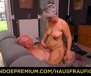 Hausfrau pano - pullukka saksalainen mummo vittuile aviomiehensä kypsän amatööri-nauhan aikana