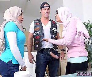 Sexuellement brisé jeune et amateur arabe gros cul première fois art imitant la vie.