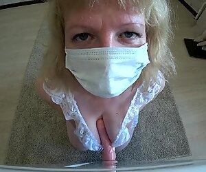 Iso perse rakastaa anaalin siemensyöksyä, muumio koiran asennossa.