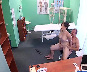 FakeHospital Sexy Aussie tourist with big tits
