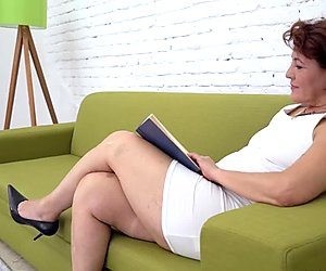 Gilf loves her old twat fingered by her young lover
