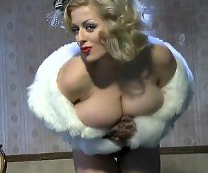 Lola burleskiesittely (nadine j)