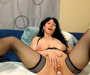 Hot 50 ans Maman Salope taquineries sur webcam
