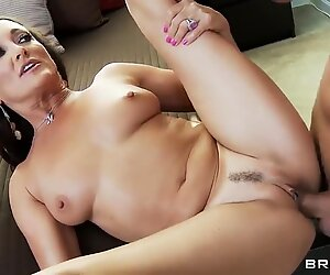 Experienced bitch Keiran Lee suck Michelle Lay's dick for money