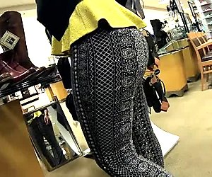 Thick booty shoe girl
