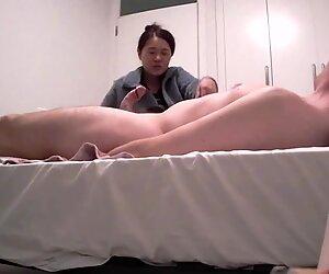 Sexy Giapponese MILF che offre Sega e Pompino a WBC - AsianCaucasianDuo
