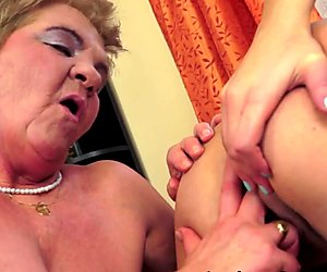 Lesbo granny fingerfucking tight young pussy