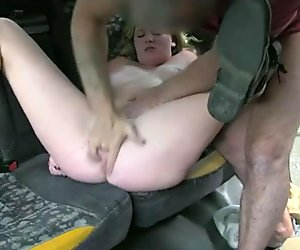Customer seduces the driver and pounded