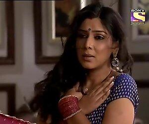 Sakshi tanwar tante indienne super chaude se faire séduire par un énorme oncle