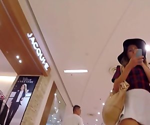 Upskirt Aussie Teen Shopping