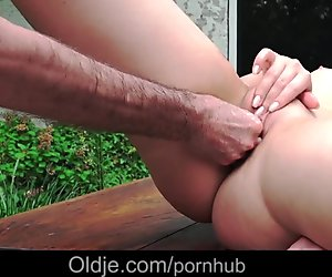 Old man taste the pee of a young blonde, after fuck
