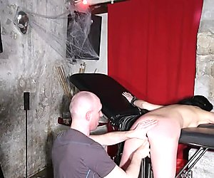french libertine soumise fist spanking whip
