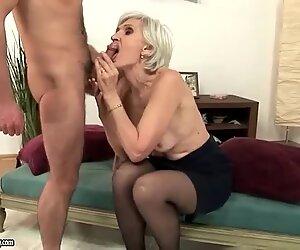 Mummo mustassa sukat vitun poikan kanssa