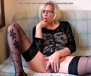 Troia nonna in calze fisting figa da dracarys69
