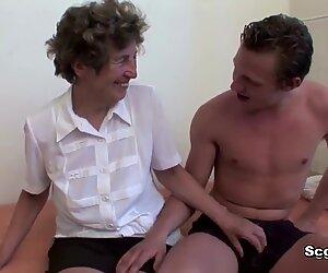 Немачки мама добија завођење да јебеш хардцоре Анални секс од стране Степ-Сон-а