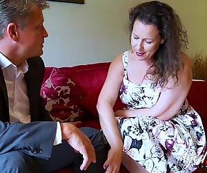 Agelove chaud femme mûre madame séduisant homme d'affaires
