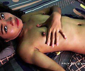 Aasialainen teini - tiukka pillu saa kova panon isosta munasta - hardcore seksiä paljaaltaan