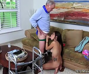 Poping pils! - Michelle Martinez hardcore helvetin