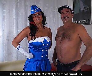 SCAMBISTI MATURI Ass fucking mature in gang bang