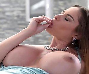 ROKO VIDEO-Big Tits Porn Fisting