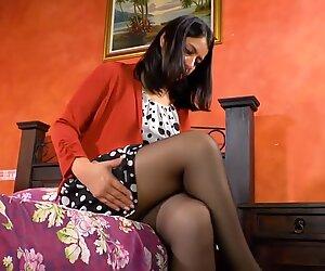 Latinchili ronde grand-mère jouet sexuel masturbation