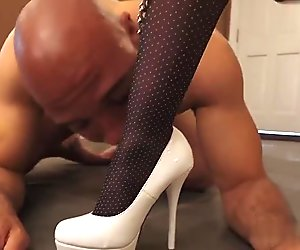 Nice Mistress male slave High Heels