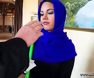Arabe arabe grand-mère egypte nouveau je peux regarder elle n'a pas beaucoup d'argent.