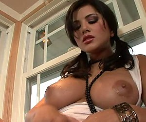 Perverted busty babe Sunny Leone washes and rubs her pussy in the kitchen