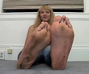 Css Mixed girl Stinky Soles