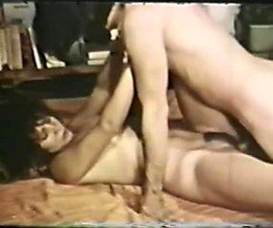 Vintage Anal Brunette Loop