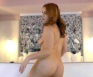 Edyn Blair ist eine heiße haarige nackte Frau, die dich will