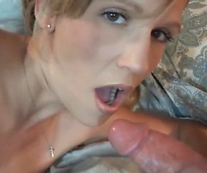 Blonde MILF Jolene fucks her toys while swallowing a cock