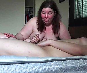 Massiver Cumshot von Sissy mit 1fuckdatecom