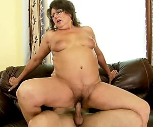 Granny riding a cock on sofa like a crazy cowgirl