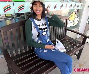 Japan mällit pillussa thai teini tyttöystävä