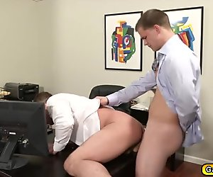 Twinks sucking a big dick and deep anal penetration inside the office