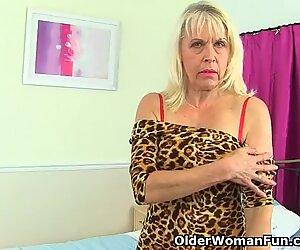 英国人祖母と結婚ごう人sextasyは彼女のマスターベーションルーチンを再開します
