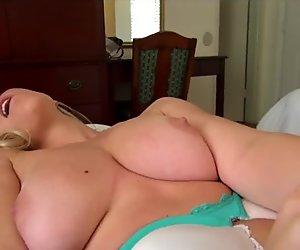 Big-tit blonde amateur decides to make a sex tape in public